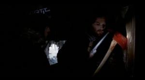 Från 80-talsfilmen: En blodig yxa antyder att något fruktansvärt har inträffat.