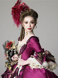 Asuka Tono som Marguerite i en japansk teateruppsättning gjord av Takarazuka Revue.